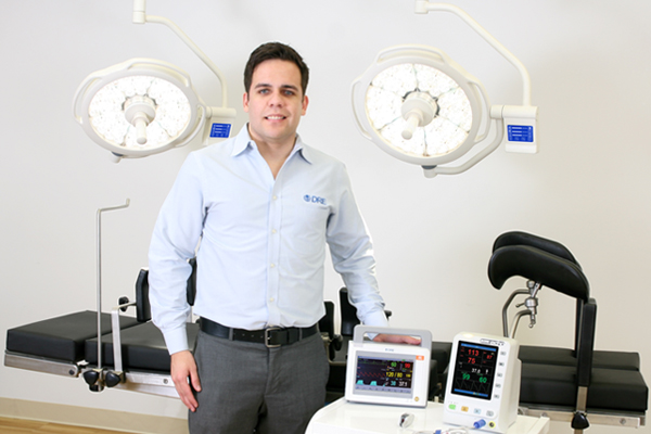 Francisco Cano is an international medical equipment expert.